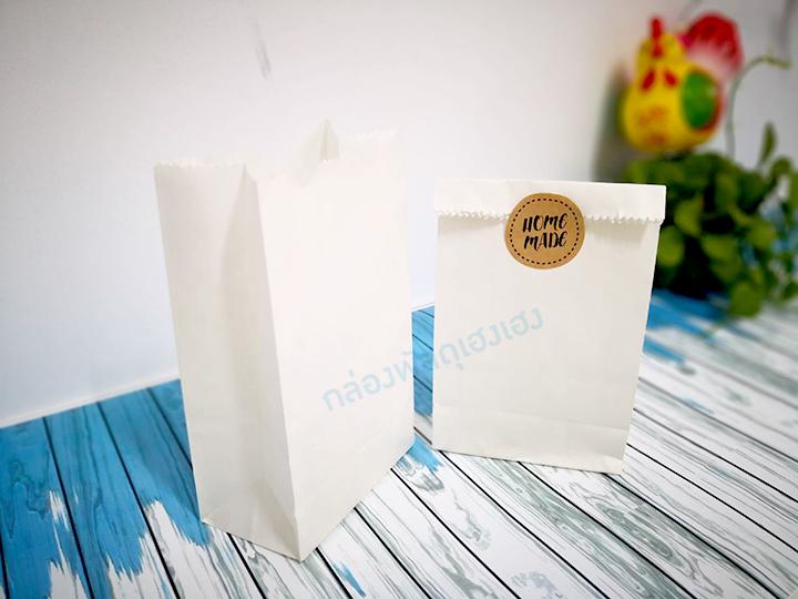 ถุงกระดาษพับข้าง สีขาว 9.5x6x16.5 cm.